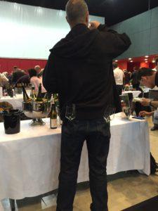 Det er vigtigt at have styr på udstyret, men et glas plejer at være rigeligt ved de store vinmesser.
